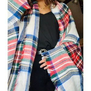 Old navy plaid wrap 💫